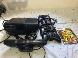 Xbox 360 com Kinect + 4 controles SÓ RESPONDO P W.APP