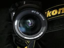 Câmera nikon Não funciona  só p peças leis a descrição