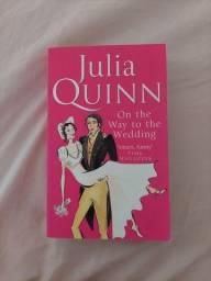 Título do anúncio: Livro Importado - A caminho do Altar - Julia Quinn