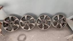 Título do anúncio: Vendo roda aro 17 Vulcano multi furo