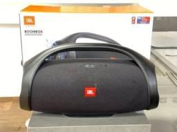 Caixa de Som Portátil JBL Boombox com Bluetooth, Connect+, À prova d?água - Preta