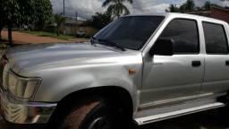 Toyota Hilux - 2004