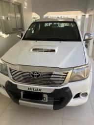 Vendo uma Hilux - 2013