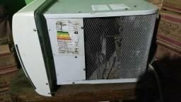 Em ilheus, ar condicionado consul de 7500 btus, 110 volts