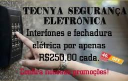 Interfones e fechadura elétrica