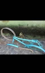 Quadro de bicicleta Barra Forte e Rodas Aero aro 26