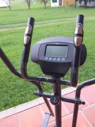 Simulador de caminhadas elíptico, usado apenas uma vez!