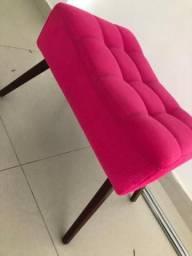 Puff-Cadeira de suede com pés palito * usado 2 meses* em perfeita condição