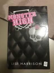 Livro monster high 35,00