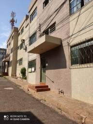 Apartamento térreo - B. São Francisco