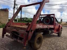Ford F12000 poliguindaste