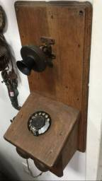 Telefone antigo de madeira raríssimo