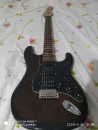 Guitarra ótima