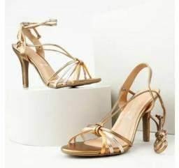 Sandália feminina dourada Vizzano- Na caixa