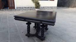 Mesa estilo Manoelino sem cadeiras