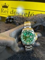 Rolex submariner prata com fundo verde novo
