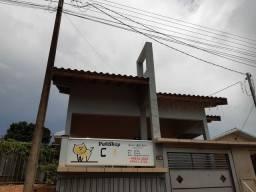 Vendo casa na Av. Paraná