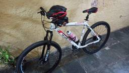 Bike GTS M1 aro 29, quadro 21, 24 velocidades, freio a disco hidráulico.