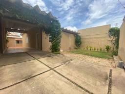 Título do anúncio: Casa com 5 quartos - Bairro Jardim Petrópolis em Cuiabá