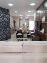 Casa com 2 quartos - Bairro Água Limpa em Várzea Grande