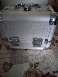 Título do anúncio: Vendo maleta usada