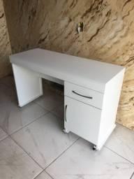 Escrivaninha personalizada