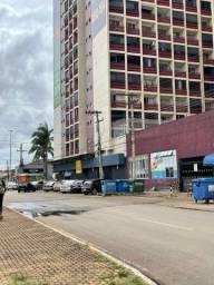 Loja de 800m com 14 garagens no centro Taguatinga .