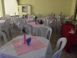Aluga se mesas e cadeiras R$ 10,00