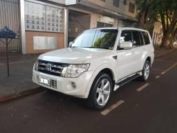 Mitsubishi Pajero Full 3.2 Hpe 2014 Top de Linha Placa A Preço de Ocasião - 2014
