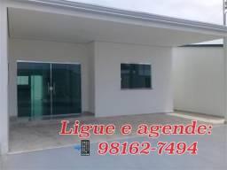 Casas com 3 QRTS, Cond. Fechado, Parque 10/ Otima Localização!!