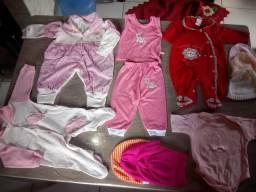 Lote de roupas para bebê feminino