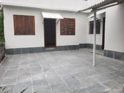 Casa de fundos 3/4 - Mundo Novo