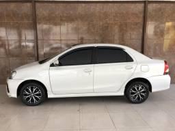 Etios sedam platinum aut top 2017 - 2016