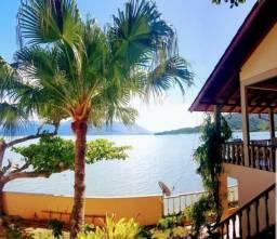 Casa pé na areia em Mar de águas Calmas e Limpas em Florianópolis