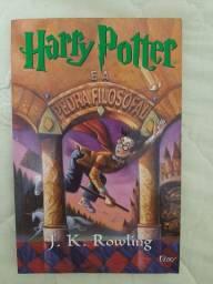 4 livros de Harry Potter por 60 reais