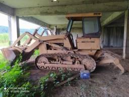 Título do anúncio: Trator escavadeira com escarificador CASE850