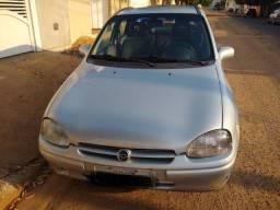 Vendo Corsa Sedan GLS 99 1.6 16v