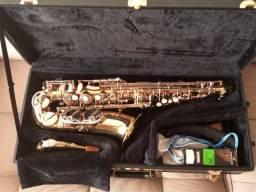 Título do anúncio: Saxofone Alto Eagle
