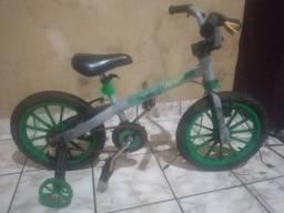 Título do anúncio: Bicicleta Hulk Avengers - Bandeirantes - Aro 12 Infantil - Leiam Anuncio