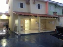 Casa sobrado com 3 quartos - Bairro Nova Várzea Grande em Várzea Grande