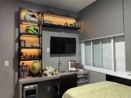 Casa de condomínio para venda possui 308 metros quadrados com 5 quartos