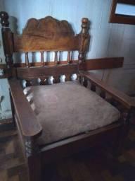 Lindo! Exclusivo sofá de madeira maciça!