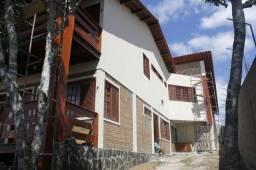 Vendo Casa em Bezerros, 05 quartos, 04 suítes, 04 vagas cobertas!