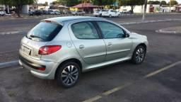 Peugeot 207 XR 1.4 8v - 2010