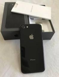 IPhone 8 preto com 256GB