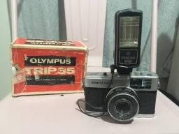 Câmera Olympus Trip + Flash