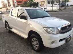 Toyota Hilux CD SR 4X4 Standard 2.5 - 2011