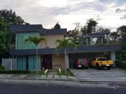 Casa com 03 Suítes no Condomínio Passaredo