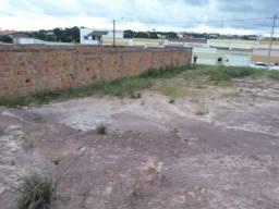 Terreno medindo 15x30m no Aracagy