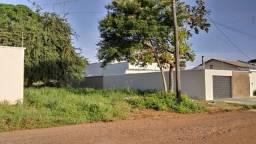 Vendo lote! no bairro Waldir lins lote n°06 quadra 20 situado Rua 3 Tel (34) 988669848